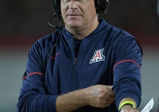 Arizona weighs whether to fire football coach Rich Rodriguez