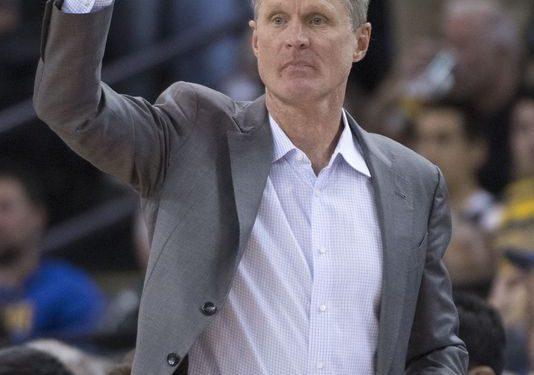 Steve Kerr defends Luke Walton, rips LaVar Ball and ESPN
