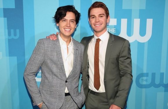 KJ Apa on his American accent, Cole Sprouse & Riverdale season 2